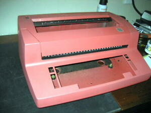 Ibm Selectric Ii Typewriter Case Only Works Perfectly Red Color 18 w W badge W w