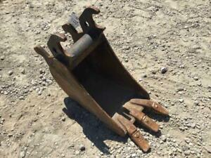 12 Excavator Tooth Bucket John Deere Quick Coupler 8 1 4 Ear Width S 701403