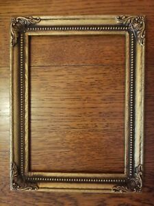 Gorgeous Old Vintage Ornate Gold Picture Frame Holds 5 X 7 Stunning
