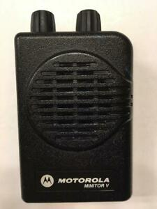Motorola Minitor V 5 Low Band Pagers 33 37 Mhz 2 channel Non stored Voice