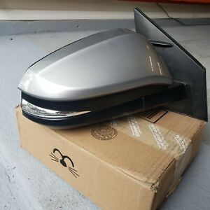 2016 17 18 Toyota Rav4 Oem Passanger Side Mirror With Camera 11wires Like New
