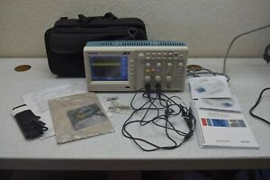 Tektronix Tek Tbs 1062 60 Mhz 1gs s 2 Channel Digital Oscilloscope Manual Case