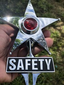 New Vintage Style Safety Star License Plate Topper That Lights Up Red