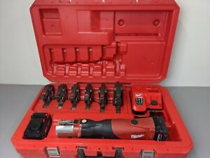 Milwaukee 2673 20 M18 Force Logic Press Tool Kit Case W 6 Jaws Rapid Charger