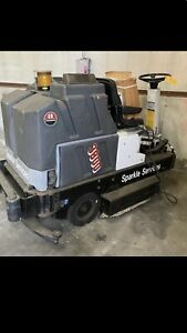 Advanced 3800 Ride On Floor Scrubber