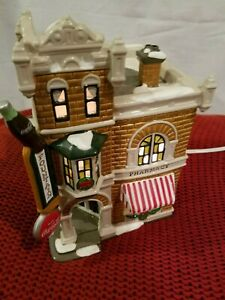 Dept 56 Coca Cola Corner Drugstore / The Snow Village  #5484-4