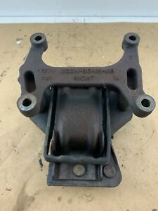 Genuine Ford 6 0l Powerstroke Right Side Engine Motor Mount Used 3c3
