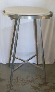 Store Display Fixtures Round Clothing Garment Rack With Acrylic Top Shelf