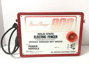 Dyna charge Electric Fence Charger Vintage Model 909 Solid State Battery Fencer
