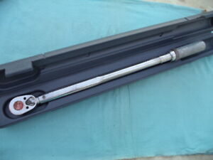 Snap On 1 2 Fixed Head Click Torque Wrench qjr 3200b 30 200ft lb W case Nice