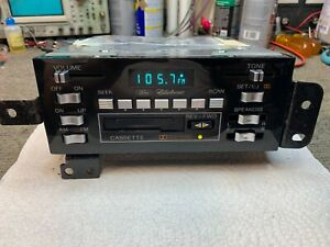1979 Continental Mark V Ford Am Fm Stereo Radio Cassette Tape Player 79 80 81 82