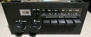 Vintage Delco 16035921 Analog Tuning Am fm Car Radio Clean Functional