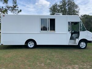 1999 Food Truck With Hood Fire Suppression System Barely Used