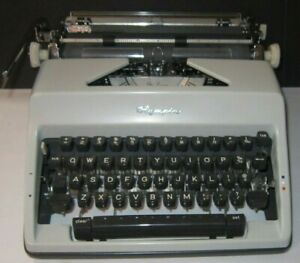 Olympia Deluxe 50 s Typewriter With Original Case Made In Western Germany