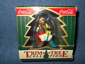 1999 COCA COLA TRIM A TREE COLLECTION CHRISTMAS ORNAMENT IN BOX - NICE