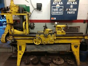 Vintage South Bend Metal Lathe Complete With Accessories