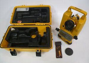 Topcon Dt o5a Digital Theodolite W Plastic Case Surveying Tool Dt 05a