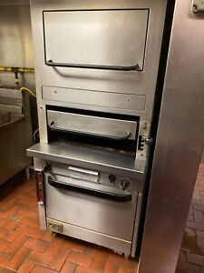 Southbend P32d 3240 Upright Natural Gas Broiler With Convection Oven