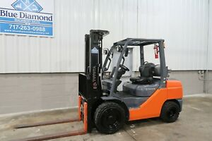 2014 Toyota 8fgu32 6 500 Pneumatic Tire Forklift 3 Stage 4 Way Only 497 Hr