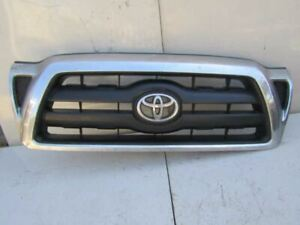 2005 2009 Toyota Tacoma Front Upper Grille Grill Sr5 Package Chrome Surround