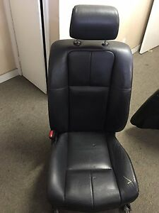 2005 2006 2007 Cadillac Sts Left Seat