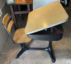 Vintage Child S School Desk American Seating Co Ten Twenty 1950 S Mcm Rare