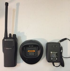 Used Motorola Cp200 Vhf 4 Channel Radio With Battery Charger B2
