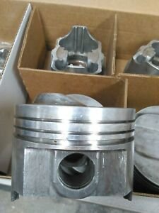 327 Chevy Forged Pistons P5511 4 030 Bore Manley 12 5 To 1 W 64cc Used