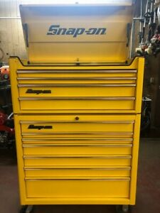Like New Snap On Tool Box Top Bottom Heritage Ultra Yellow Beautiful Look