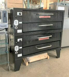 Bakers Pride 352 Series Natural Gas Pizza Oven Double Deck