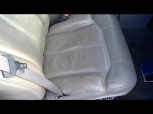 Tahoe 2001 Front Seat 221761