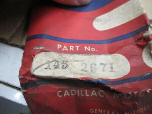 1947 Cadillac Grill Upright Stainless 1452671 Nos 2