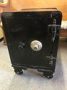 Combination Floor Safe Vulcan Safe Lock Co With Working Yale Lock cs107