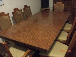 Beautiful 11 Piece Dining Room Furniture Set Slightly Used Price Reduction