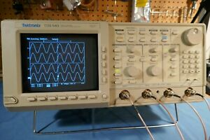 Tektronix Tds540 4 Channel 500mhz 1gs s Oscilloscope Complete With Probes