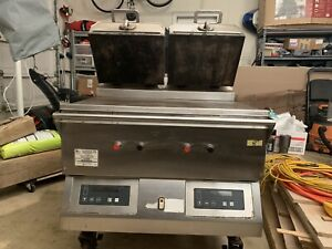 Taylor Commercial Grill 36inch W 2 Clamshell Griddle From A Working Environment