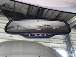 Gmc Chevrolet Interior Rear View Mirror W Onstar Buttons Auto Dimming