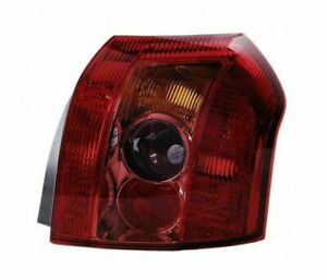 Toyota Corolla Saloon Hatchback 2004 2007 Red Vt1132p Right Rear Light Tail