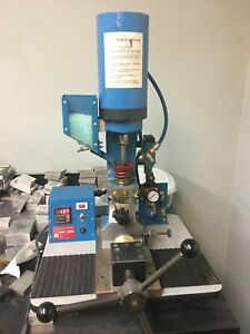 Ab 100 Plastic Injector Injection Molding Machine 6 Gram Shot Gently Used