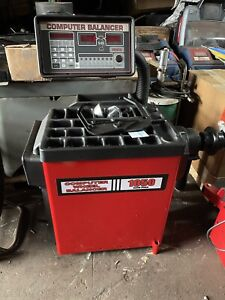 Coats 70 60ax Tire Changer With Robo Arm And Coats 1050 Balancer Combo