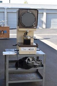 Mitutoyo Profile Projector Pj 300 Bench Top 12 Screen Optical Comparator With 2
