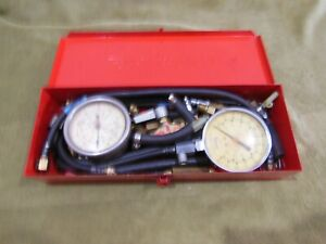 Snap on Usa Fuel Pressure Gauges W Metal Case w Extras
