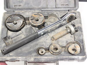 Klein Tools Knockout Punch Set With Wrench 53732 sen As is see Details