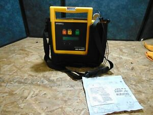 Physio Control Lifepak 500 Battery And Case Included