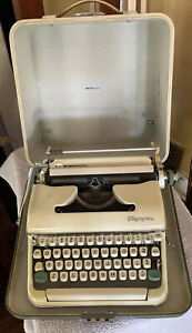Vntg Olympia Deluxe Typewriter In Case