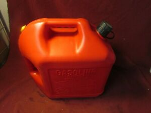 Blitz 5 Gallon 18 9l Plastic Gas Can Vented Pullout Spout Faded Usa Made