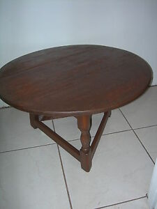 Antique Vintage Round Coffee Table Arts Crafts Federal Mid Century Triangle Base