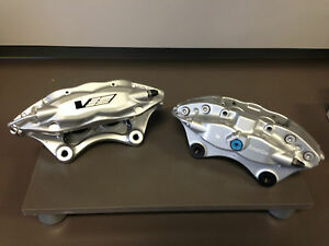 Cadillac Cts V Brembo Silver 4 Piston Rear Calipers Pair W Pin Kit 89047742