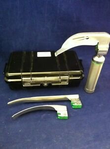 Welch Allyn Mil5072 Small Laryngoscope Kit C Battery Handle 3 Blades Case