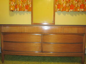 1950 60 S Mid Century Modern Dixie Light Walnut 7 Drawer 63 Dresser W Mirror Ec